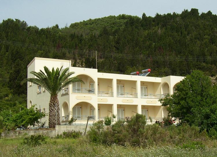 Hotel of Tassos Kasimis - Mathraki 2